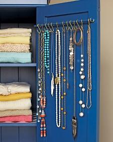 necklace-hooks-md107966_vert